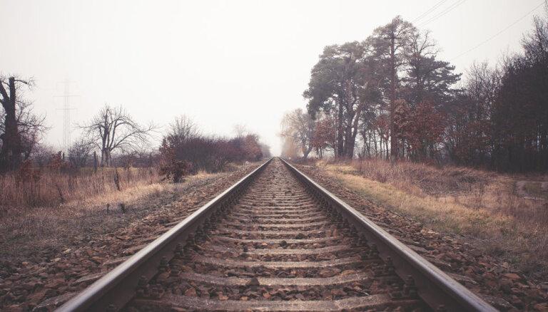 Литовским железным дорогам разрешили подписывать договор о восстановлении путей в Латвию
