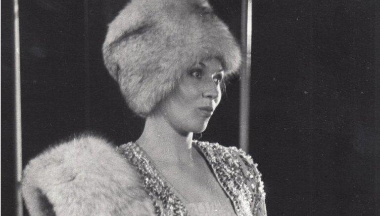 Mūžībā devusies bijusī Dailes teātra aktrise Gunta Grīva
