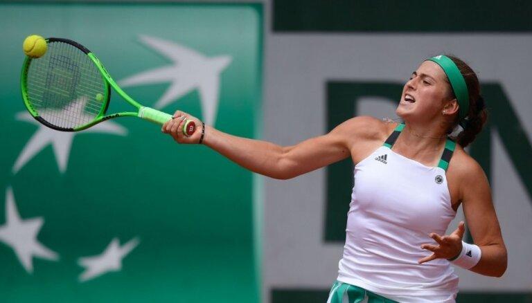 Ostapenko parāda raksturu un sīvā cīņā izrauj vietu 'French Open' ceturtdaļfinālā