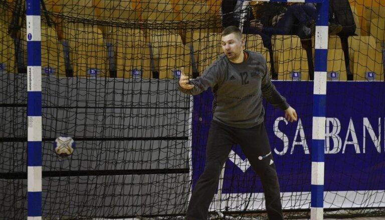 Latvijas handbola izlase Rīgas domes kausu noslēdz bez uzvarām