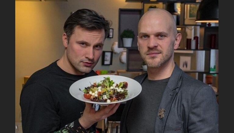 """Atzīti """"čempioni"""" sastādījuši restorāna 'Hercogs' ēdienkarti - uzzini, ko piedāvā Bulis, Roberto, Zlidnis, Ščerbatihs un citas zvaigznes"""