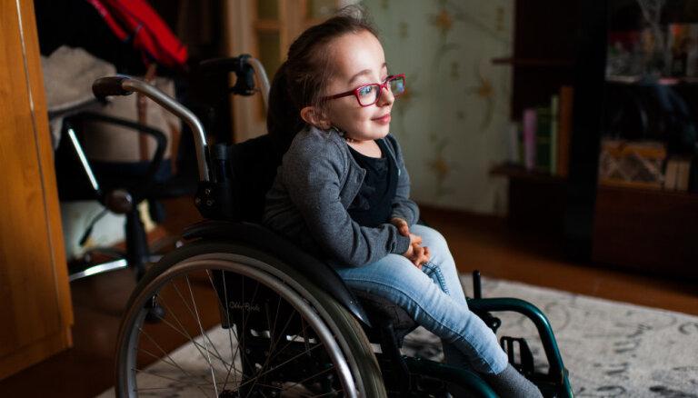 11 gadus vecajai Justīnei jātiek vaļā no bailēm; lūdz sabiedrības atbalstu