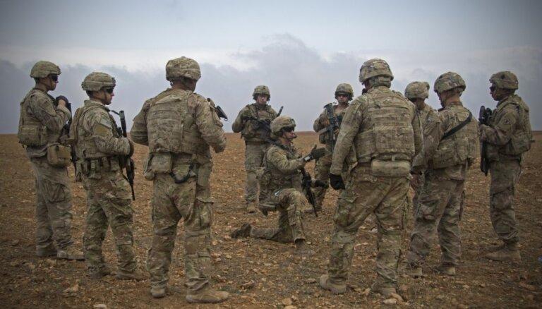 ASV Sīrijā paturēs 400 karavīrus, paziņo Tramps
