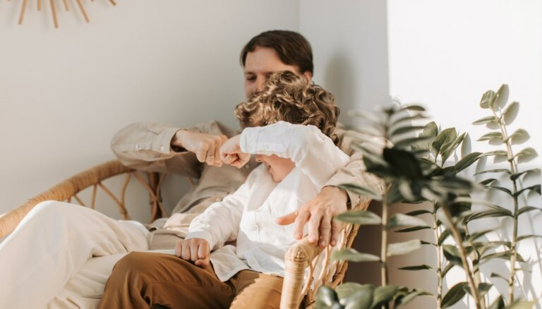 Kā svinēt ģimenes svētkus ar bērniem, ja vecāki šķīrušies