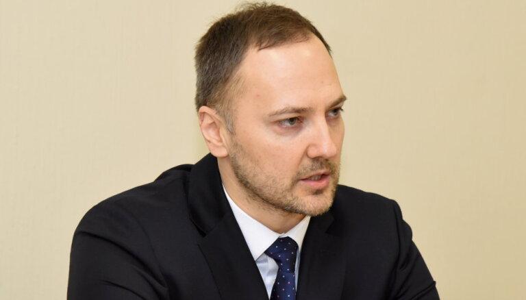 Министр внутренних дел поручил полиции проверить предприятия Рижской думы