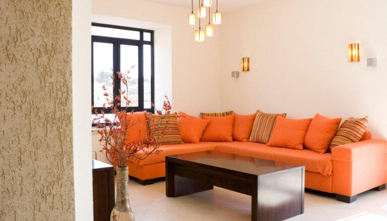 Oranžā krāsa interjerā. Modē drosmīgi salikumi