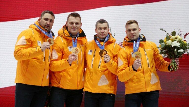 Латвийские бобслеисты получили в Сигулде золотые медали сочинской Олимпиады-2014