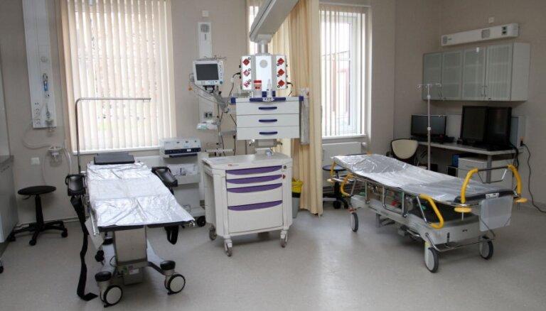 Ārkārtas situācija slimnīcu jomā? Latvijas ārstniecības iestādes strādā kā ierasts