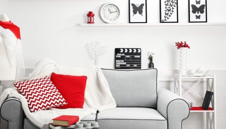 Kaislīgi sarkanais – košs akcents mājoklī, no kura nevajag izvairīties
