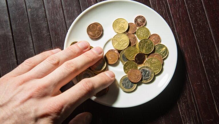 Латвия - аутсайдер ЕС по расходам на социальную защиту жителей