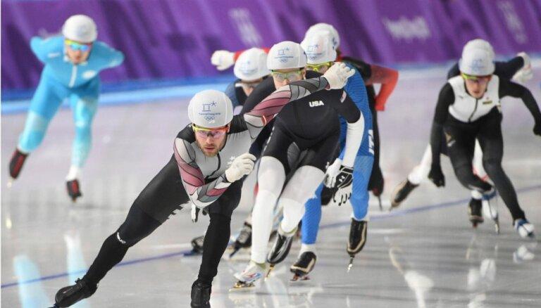 Spītējot neskaidrībai par nākotni, ātrslidotājs Silovs plāno piedalīties Pekinas Olimpiādē