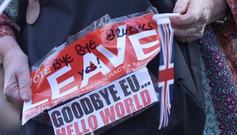 """Жизнь после жесткого """"Брекзита"""": статус граждан Латвии, въехавших в Великобританию до 29 марта, не изменится"""