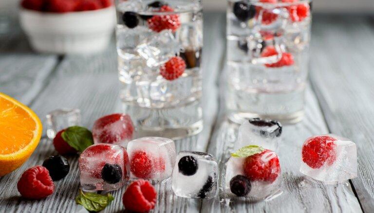 Ne tikai dzērienos! Idejas, kur vēl pielietot ledus kubiciņus