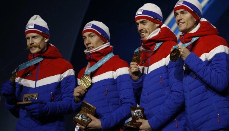 Norvēģija ar jaunu rekordu triumfē Phjončhanas olimpisko spēļu medaļu kopvērtējumā