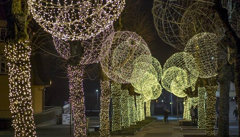 ФОТО. Сказочный Огре готовится к новогодним праздникам