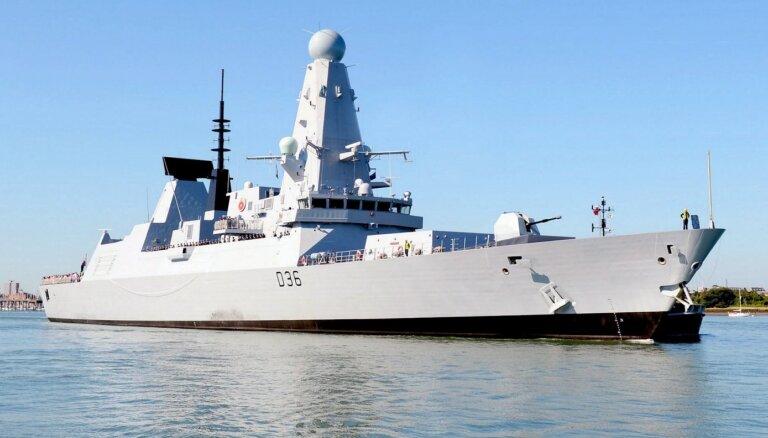 Джонсон прокомментировал инцидент с эсминцем в Черном море