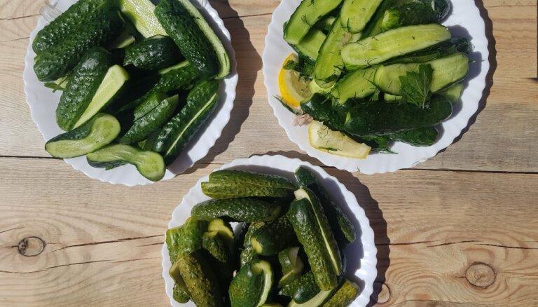 Aklā degustācija: 'Tasty' pārbauda trīs populāras mazsālīto gurķu receptes
