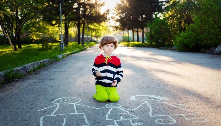Rīgā audžuģimeņu skaits palielinās; sociālās aprūpes iestādēs ievietoto bērnu skaits – samazinās