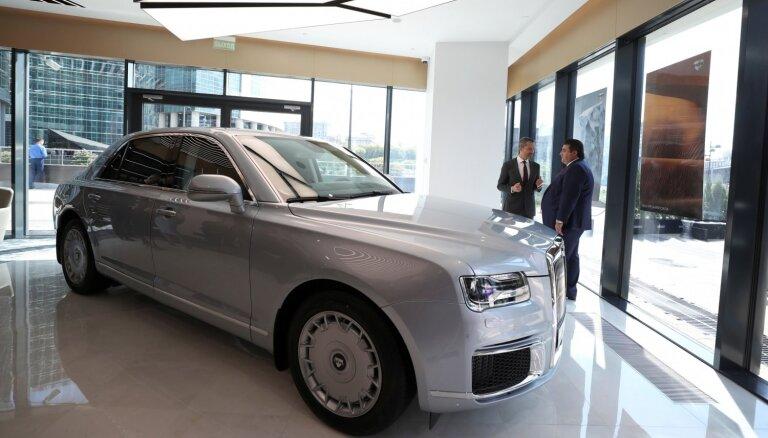 Maskavā atklāts krievu markas 'Aurus' dīlercentrs; auto izrādījies dārgāks par 'Maybach'