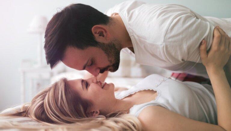 Sirdij, miegam, smadzenēm – astoņi iemesli, kāpēc mediķi iesaka nodarboties ar seksu