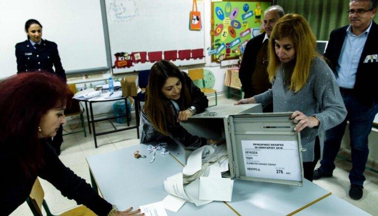 Kipras prezidenta vēlēšanās būs jārīko otrā kārta, liecina provizoriskie rezultāti
