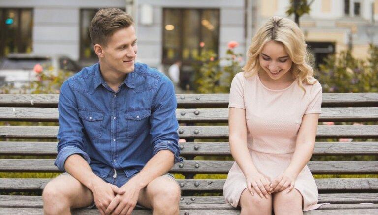 Atkodējam kautrīgo uzvedību: rīcības, kas liecina par romantisku ieinteresētību