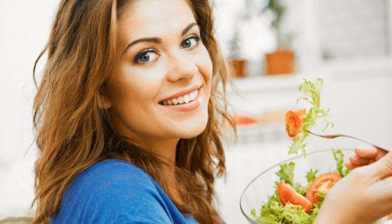 Ķiploki, valrieksti, visas varavīksnes krāsas un citi līdzekļi imunitātes stiprināšanai