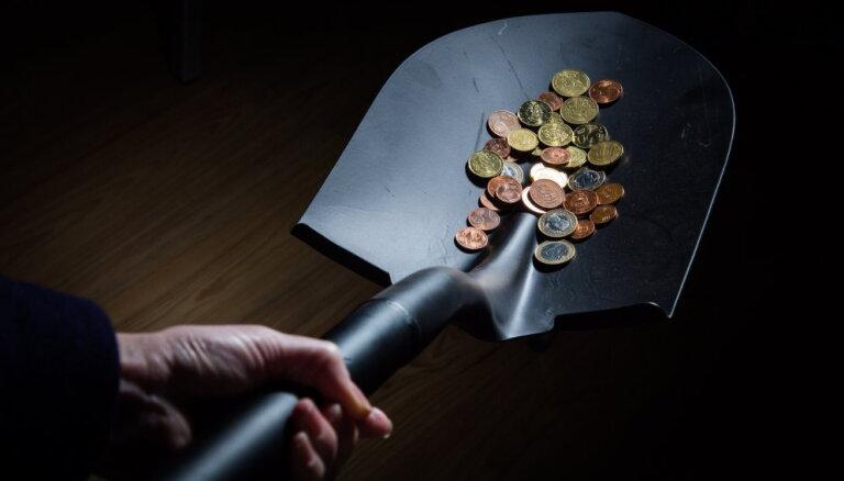 Обзор зарплат в госуправлении Латвии: сколько зарабатывают президент, министры и депутаты?