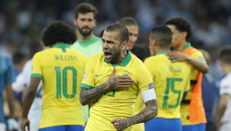 Brazīlija apspēlē Argentīnu ar Mesi sastāvā un iekļūst 'Copa America' finālā