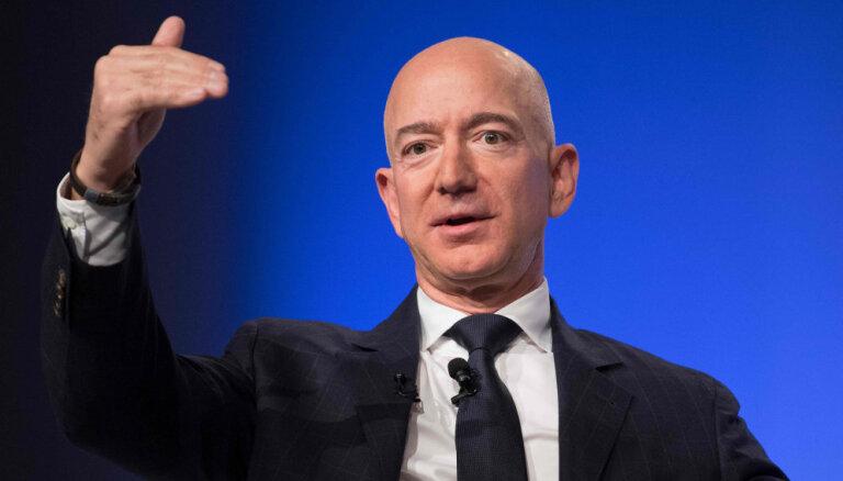 Основатель Amazon Безос обвинил таблоид в шантаже с обнаженными фотографиями