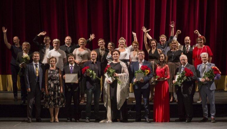 Pasniegtas Latvijas Nacionālās operas fonda Gada balvas