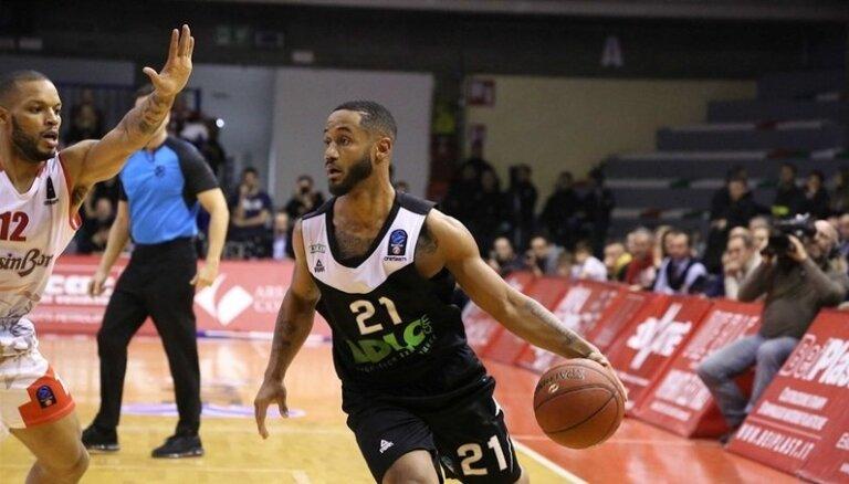 Naturalizētais Bosnijas basketbolists Robersons pret Latviju nespēlēs