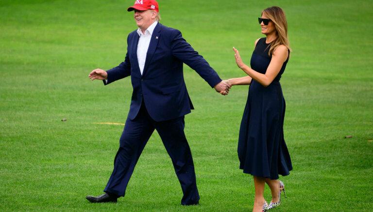 ФОТО: Мелания Трамп смутила экспертов экстравагантными туфлями