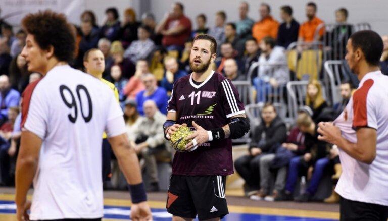 Latvijas handbolisti pārbaudes turnīrā Itālijā izcīna uzvaru pār Turciju