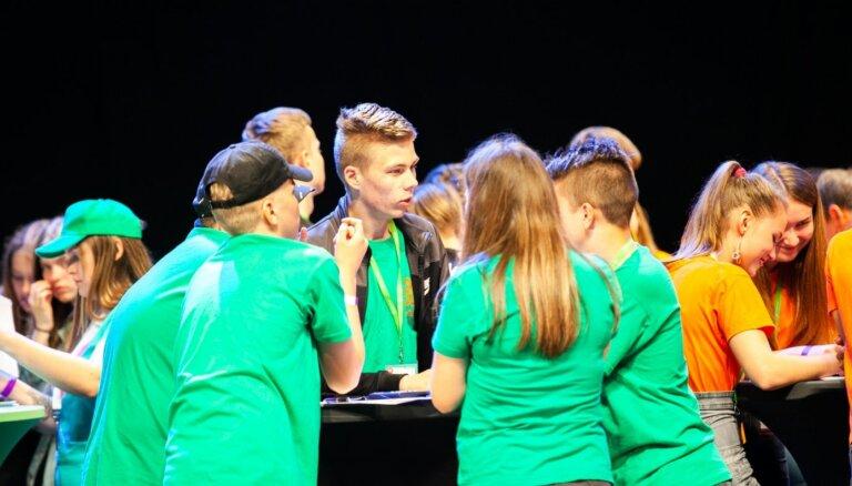Aptauja: 89% Latvijas jauniešu vēlētos par zaļo fiziku zināt vairāk