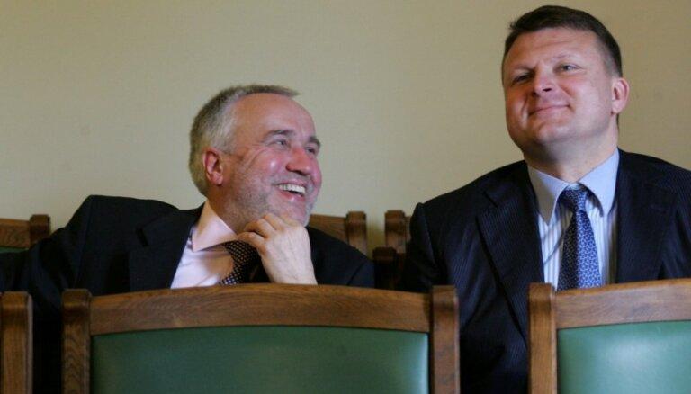 Šķēle un Šlesers vēlas kļūt par baņķieriem un nopirkt banku