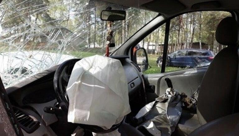Итоги года: за 12 месяцев в ДТП по Латвии погибли 134 человека