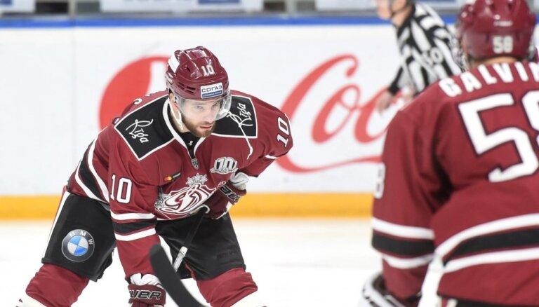 Lauris Dārziņš paliek Rīgas 'Dinamo', komandai pievienojas aizsargs Šuļeņins