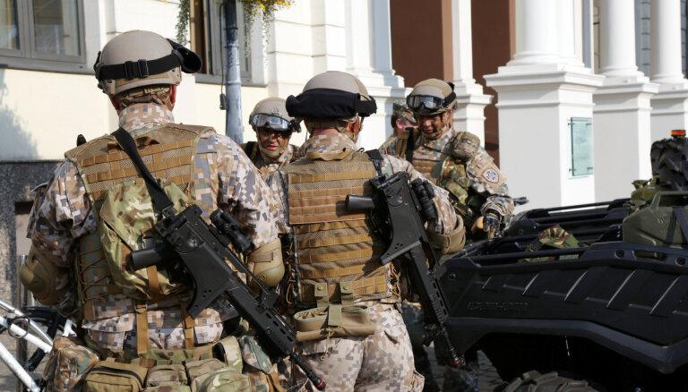 Armija nepieciešamības gadījumā sola sniegt palīdzību ar mācību šaušanu izbiedētajam bērnam
