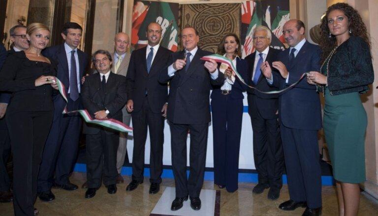 Itālijas ekspremjera Berluskoni partijas ministri paziņo par izstāšanos no valdības
