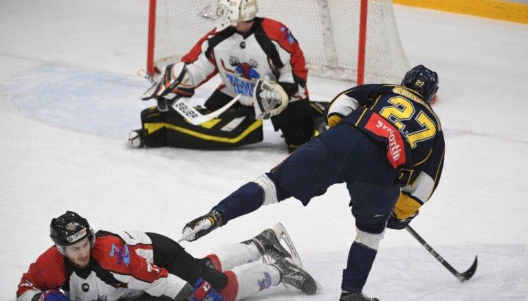 Latvijas hokeja čempionāta fināls sākas ar 'Kurbada' uzvaru pagarinājumā