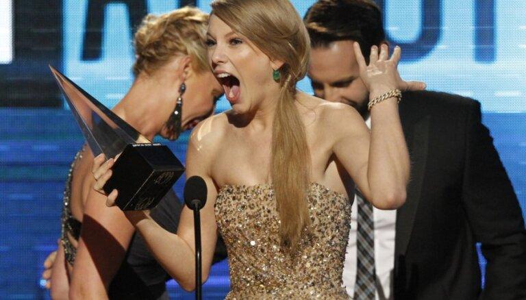 Больше всех в 2011-м заработала певица Тейлор Свифт