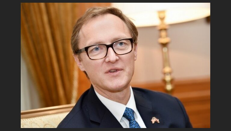 Latvijas vēstnieks Andris Razāns iesniedz akreditācijas vēstuli beļģu karalim Filipam