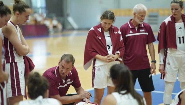 Vētras pārbaudes spēļu debijā Latvijas izlase sagrauj Somijas basketbolistes