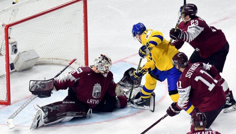 Latvijas hokejistu pēdējās cerības mačs - pret čempioni Zviedriju
