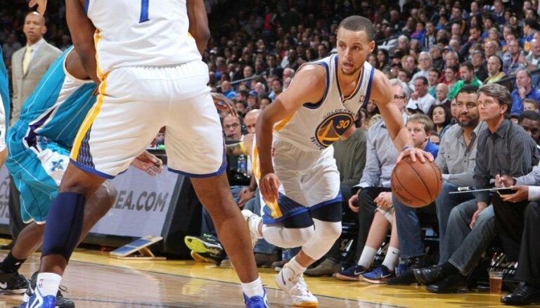 Entonijs un Karijs nosaukti par NBA labākajiem aprīļa spēlētājiem