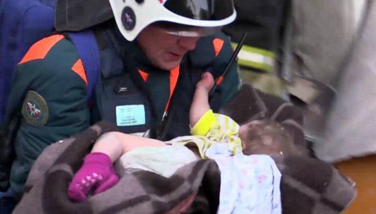 Спасенный из-под завалов в Магнитогорске младенец пришел в сознание