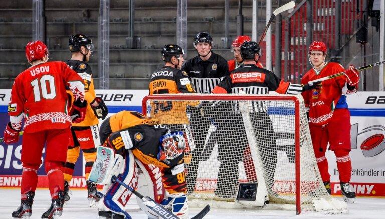 Baltkrievijas hokeja izlase izbraukumā pieveic Vāciju