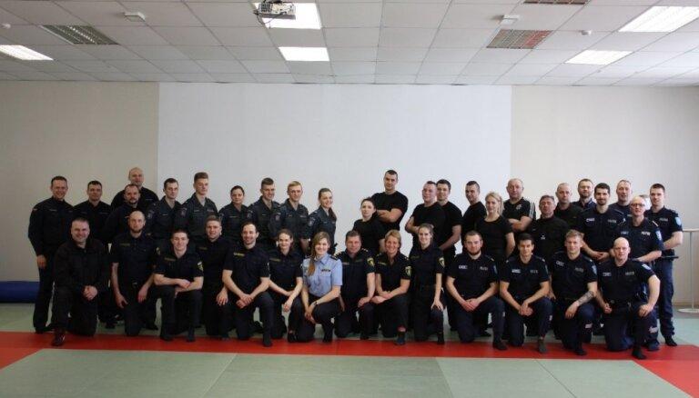 Policistus spēka pielietošanā mācīs pēc jaunas un starptautiski atzītas programmas