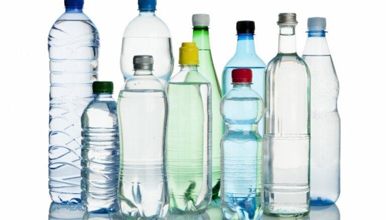 В Великобритании за три года постепенно отменят запрет на провоз жидкостей в самолетах